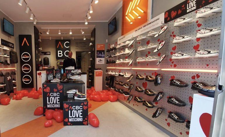 Sneakers, è boom di monomarca in centro