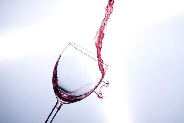 La città dove si compra più vino? È Milano